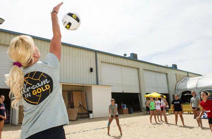 Kris Bredhoft VB clinic at The Island